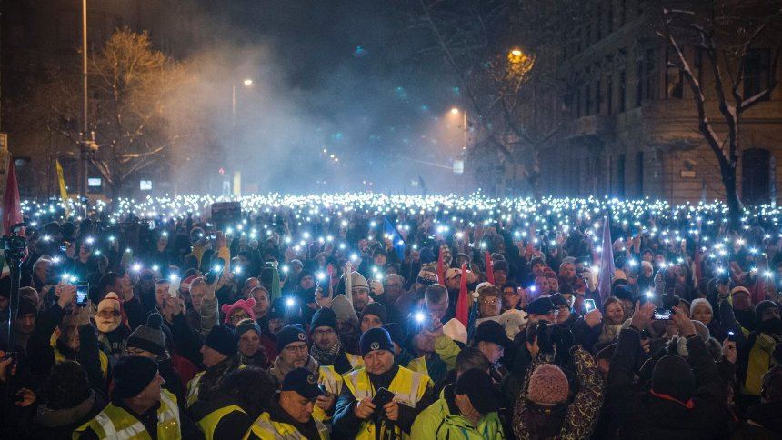 Thousands of Hungarians join latest rally against Orban's 'slave law'