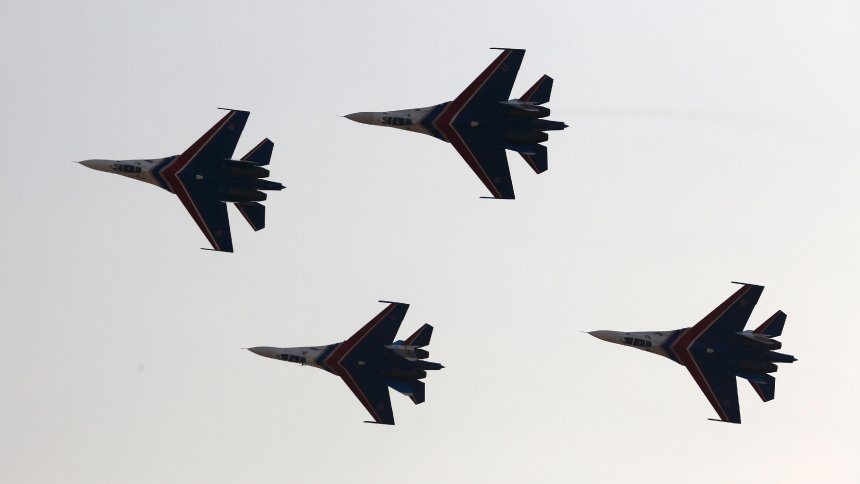Russia Deploys Fighter Jets to Crimea Amid Ukraine Tensions