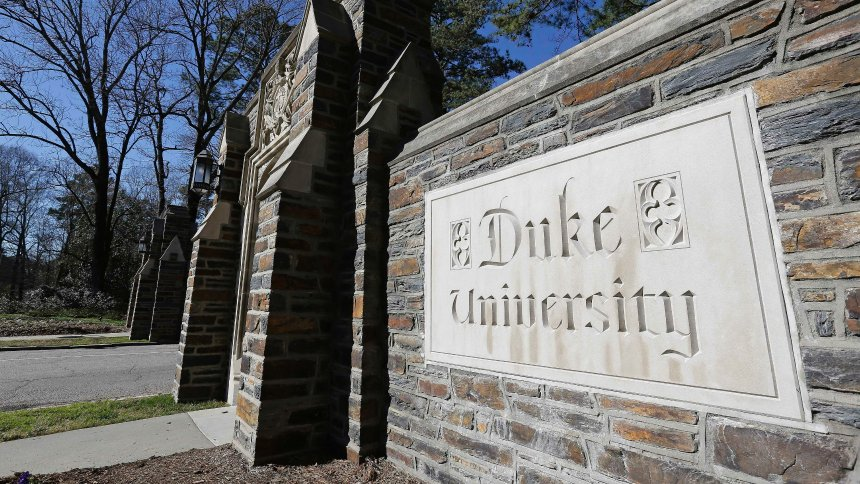 Duke medical school apologizes over complaint about Chinese