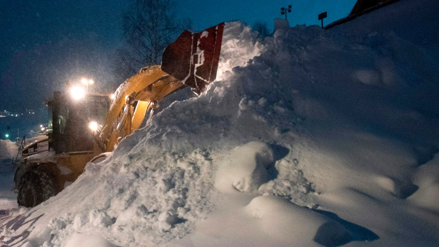 Australian teenager killed in avalanche in Austria
